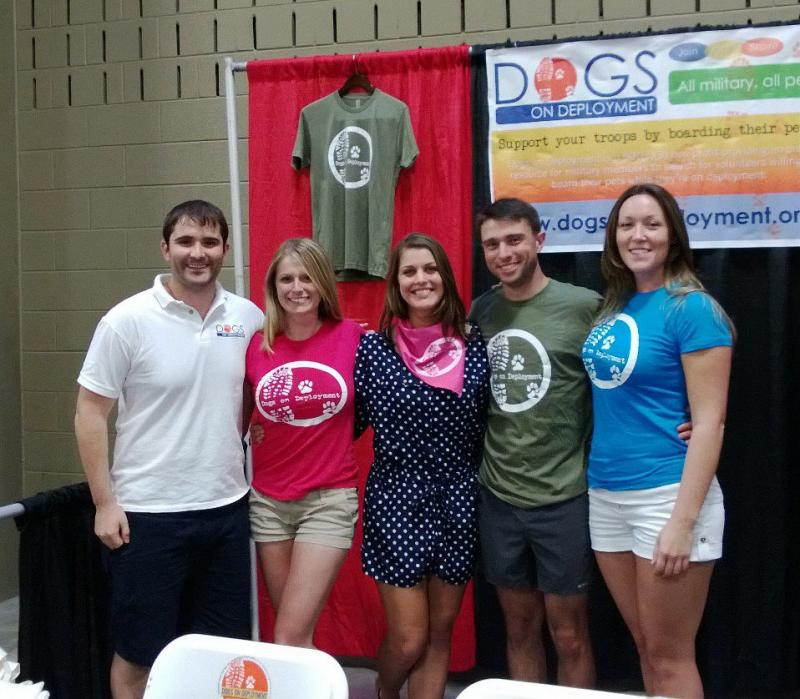 Dogs on Deployment founders, who serve in the Navy and Marine Corps, with DoD Volunteers serving in the Army, Air Force and Coast Guard at the Austin Pet Expo. Email events@dogsondeployment.org to volunteer for events!