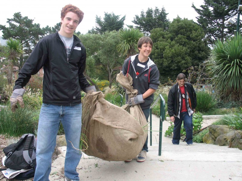 International School Cleans Koshland Park