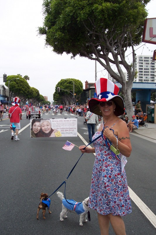 Meals on Wheels West CEO RoseMary Regalbuto in the 2010 Santa Monica July 4th Parade