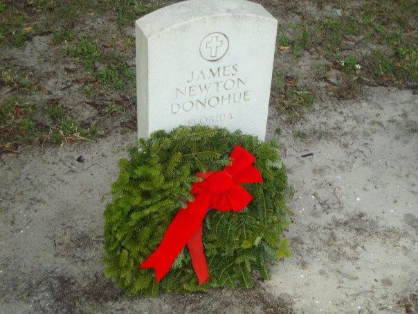 Wreaths Across American Tampa cemetery