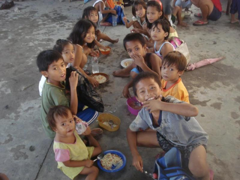 Children in Malis the Philippines, at the Jessica's Table program.