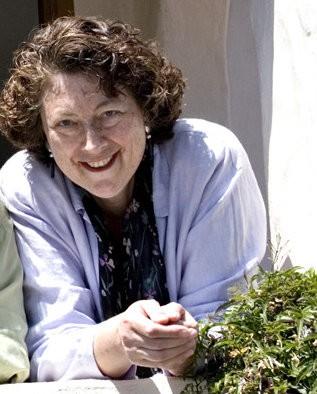 Rabbi Bridget welcomes all those exploring Jewish life!