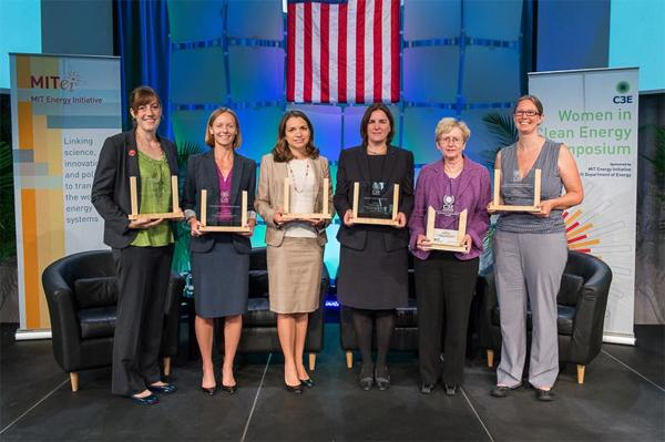 In September 2013 WoWE ED, Kristen Graf, received the C3E Award for Mentoring and Education awarded by the US Department of Energy and MIT Energy Initiative.