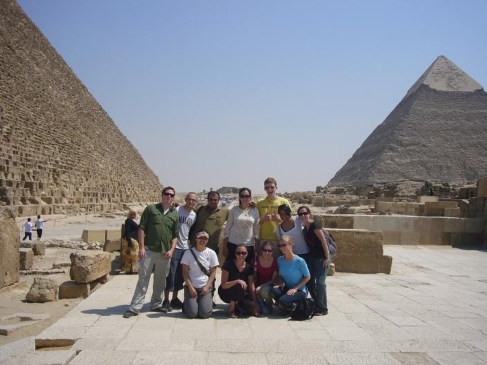 the summer 2008 volunteers at the Giza pyramids!