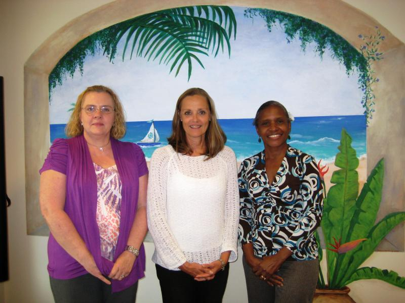 Volunteers Nancy and Maureen with Denise Kranich (middle), the Executive Director of LINC.