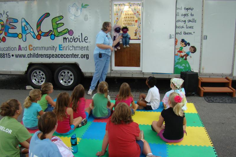 Peaceful Puppet show with Peace Mobile