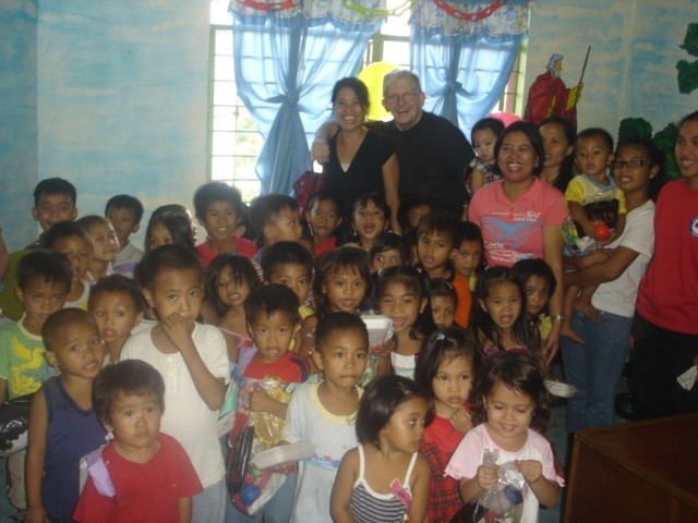 Children's Christmas Party in Payatas
