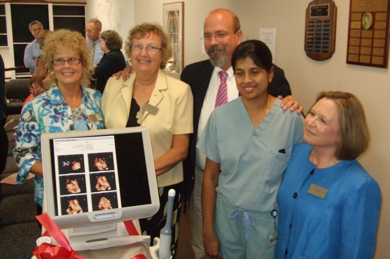 Tepeyac Family Center providers with the NEW ultrasound donated by the Knights of Columbus.