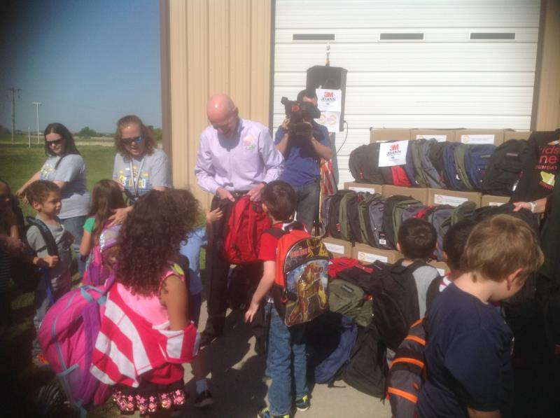 Backpack giveaway in Moore, OK