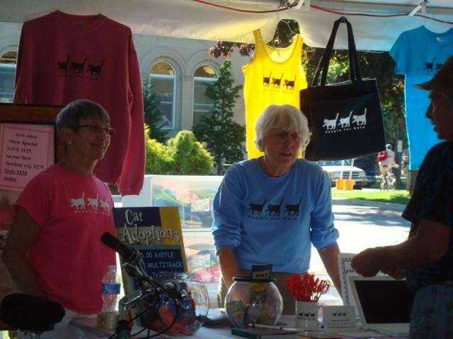 Doreen and Nance at Arts Alive