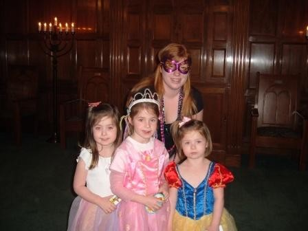 Education Fellow Amy Steinberg celebrates Purim with students in Dothan, AL