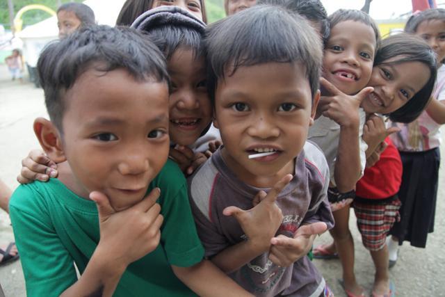Kids in Tacloban