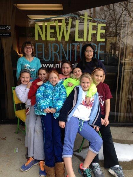 Girl Scouts volunteering with us