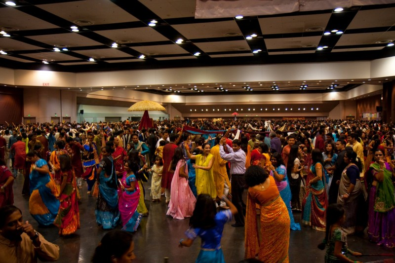 3000 people dancing at our Dandia event in San Jose