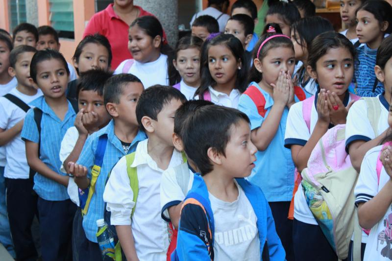 the children at La Rosa Balnca Scchool, the school we work with in El Salvador