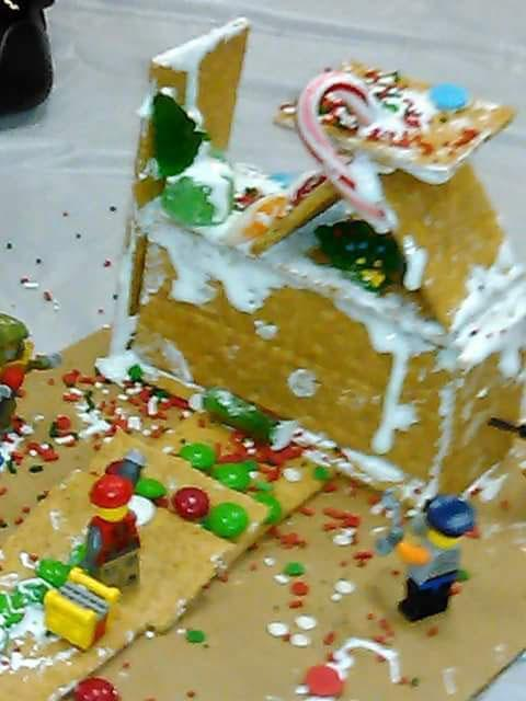 Drug-Free Gingerbread House Contest Winner