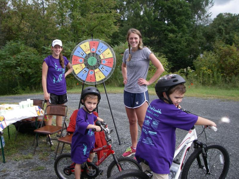 NH-VT Schweitzer Fellows promoted exercise and healthy choices to area children.
