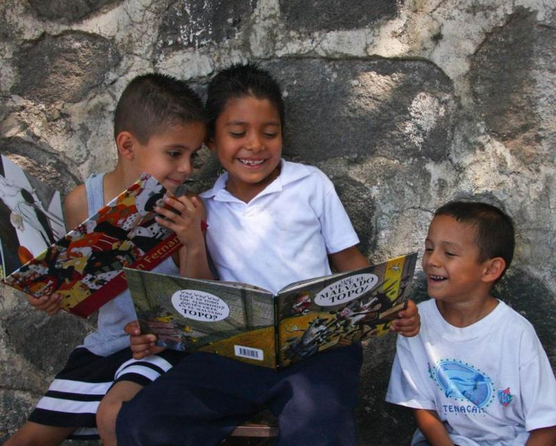 Children wth their new books