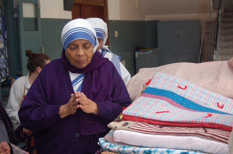 LWR Mission Quilt distribution at Missionaries of Charity, Kolkata, India (January 2012)
