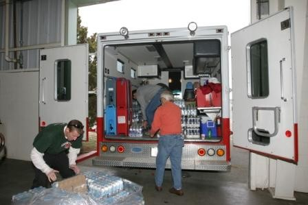 Volunteers prepare to open shelter for Summit Fire evacuees