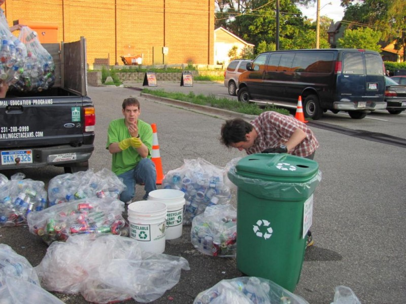 Vols Sort Recycling at Area Festival