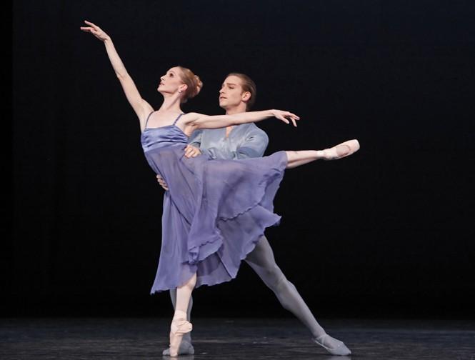 Ballet: 40. Choreographer: Stanton Welch. Dancers: Sara Webb, Ian Casady. Photo: Amitava Sarkar