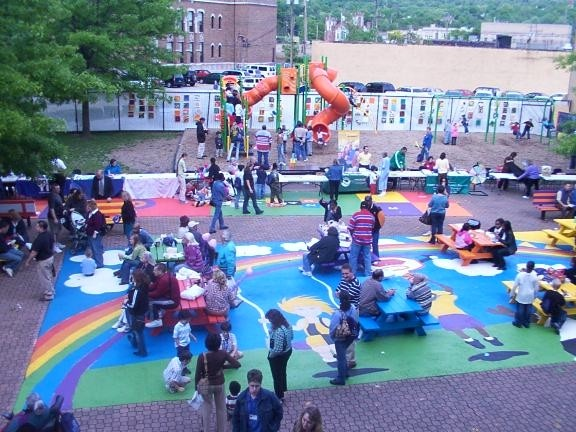 Over 550 people enjoyed the Human Services Center's 25th Anniversary Celebration in May of 2007.