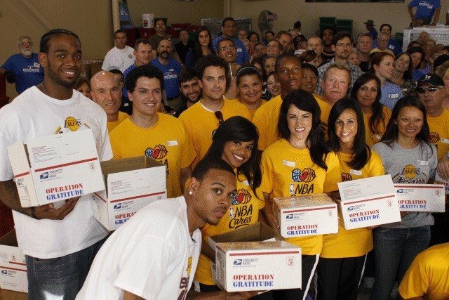 NBA Champion Lakers Join Operation Gratitude Volunteers
