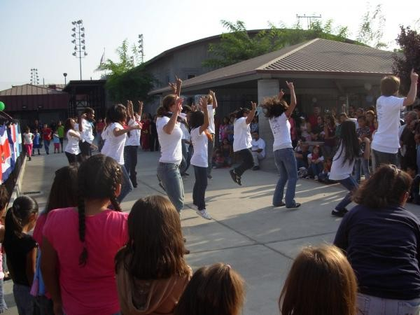 Foster girls dance at Bell Park