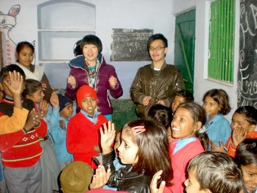 Students from Hongkong visited in school
