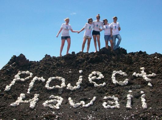 Teen Mentors in Kona on their adventures