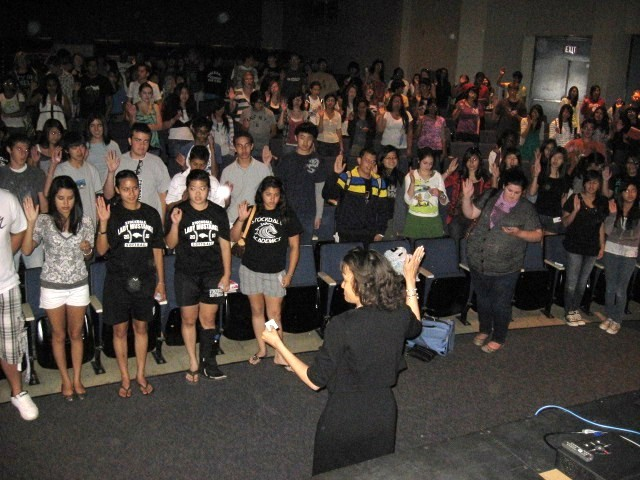 350 Students at Stockdale High School Health Academy recite the 'ASAP Patient Safety Pledge.'