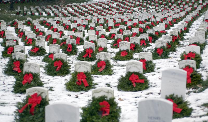 The famous photo taken by James Varheghyi, which became a viral sensation and launched the organization WreathsAcrossAmerica.org